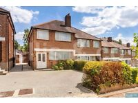 Engel Park NW7 .A Superb House with Hugh Garden & Driveway Available Now.£2200 Per Month