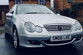 MERCEDES C180 kompressor/sports/pan roof/Bluetooth/Leather seats