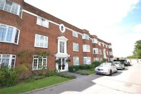 2 bedroom flat in Finchley Court, Ballards Lane, London, N3