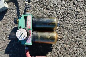 Two Air Cylinders W/ Electric Two DCV And Air Filter And Oiler