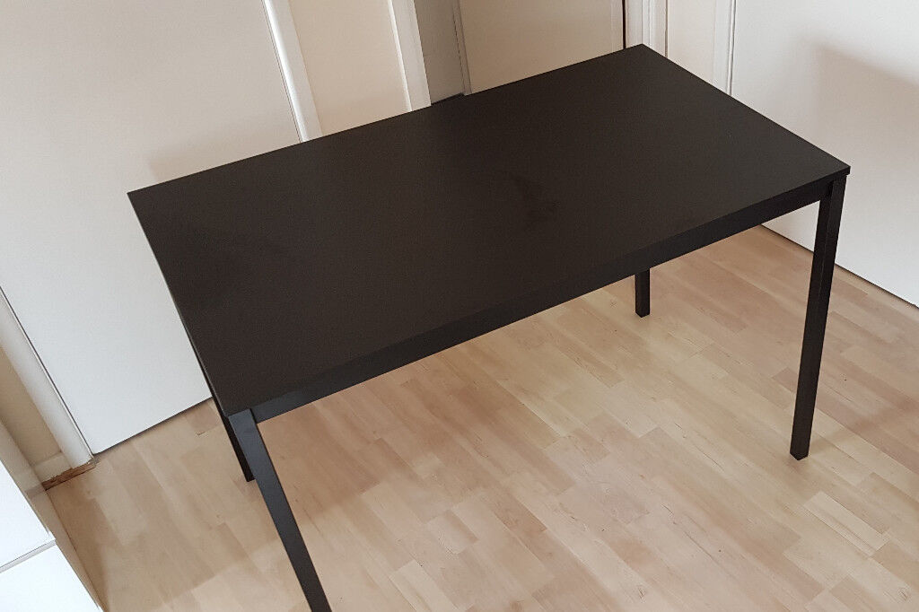 Brilliant Table Ikea Tarendo In Letchworth Garden City Hertfordshire Gumtree Gamerscity Chair Design For Home Gamerscityorg