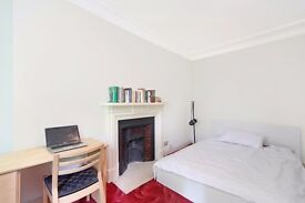 Amazing value - very spacious - 4 bed / 2 bath split level flat - West Kensington