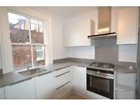 3 bedroom flat in The Broadway, Crouch End, N8