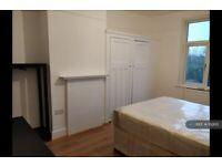1 bedroom in Downhills Park Road, London, N17 (#1112615)
