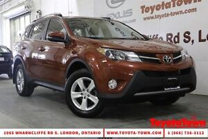 2013 Toyota RAV4 SUPER LOW MILEAGE SINGLE OWNER XLE MOONROOF BAC