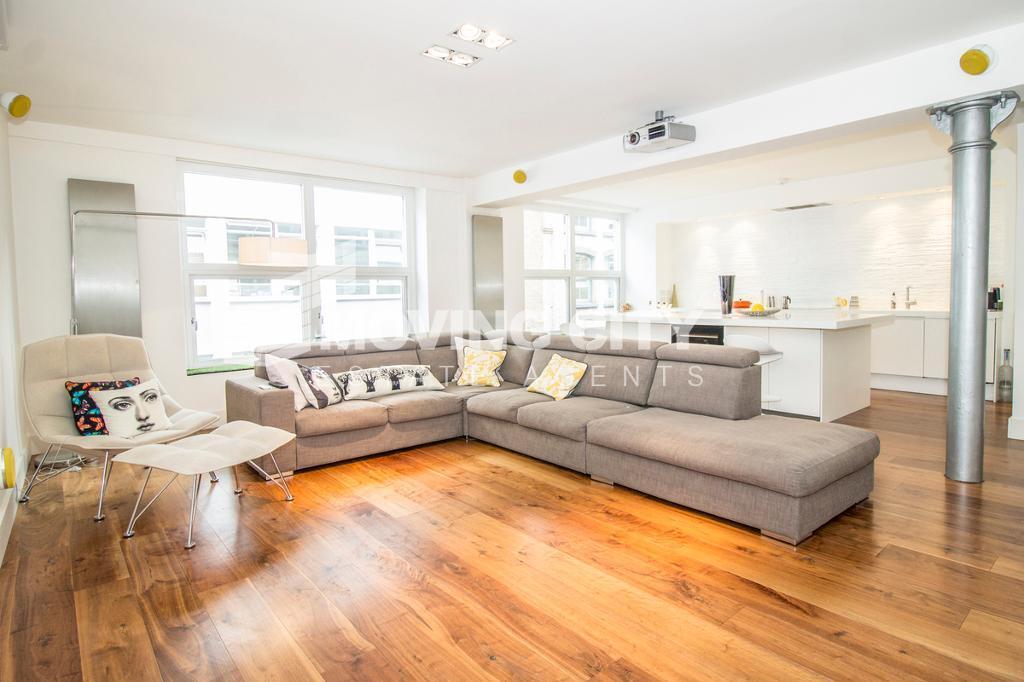 2 bedroom flat in Northburgh Street, Old Street