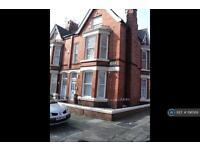 Studio flat in Elm Vale, Liverpool, L6