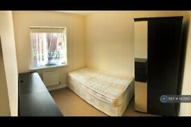 1 bedroom in Walker Grove, Hatfield, AL10 (#1123865)