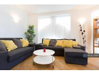 3 bedroom flat in Farringdon Road 25, London , EC1M (3 bed)