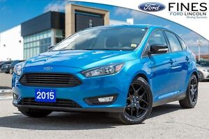 2015 Ford Focus SE - LEATHER, ROOF, HEATED SEATS!