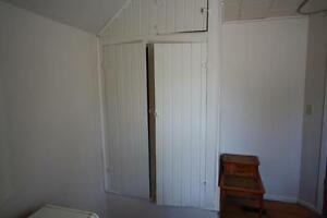 Room for rent in large Character Home @ 176 Christina St S Sarnia Sarnia Area image 4
