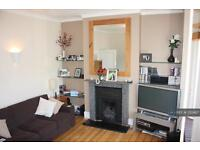 2 bedroom flat in Aliwal Road, Clapham Junction, SW11 (2 bed)