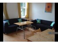 4 bedroom house in Egerton Road, Manchester , M14 (4 bed)