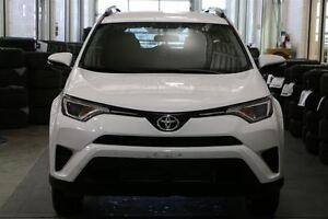 2016 Toyota RAV4 LE HEATED SEATS & BACKUP CAMERA London Ontario image 2