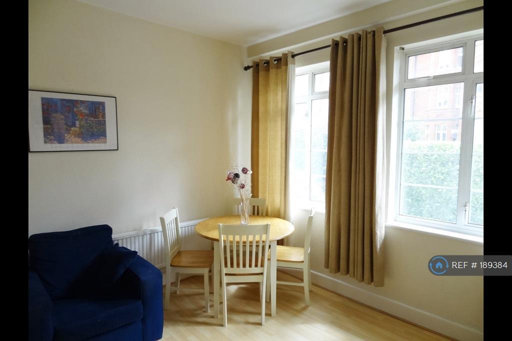 2 bedroom flat in Hamlet Gardens, London, W6 (2 bed)