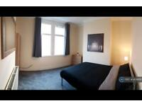 1 bedroom in Roots Hall Avenue, Southend-On-Sea, SS2