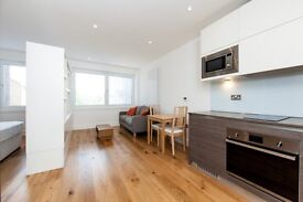 Studio Suite with Separate Bedroom Area, Riverdale House, Lewisham, London, SE13