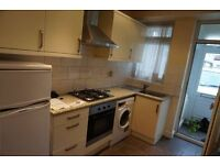 NEWLY REFURB. 2 BED HOUSE TO RENT IN NEWBURY PARK. GARDEN, DRIVEWAY, £1350PCM. NEAR TO STATION