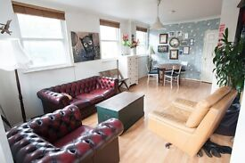 Spacious one-bed flat with parking space for rent in Hackney. Close to transport, canal and parks.