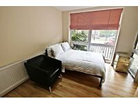 *******Robinson Davies Properties are proud to present this newly refurbished Studio flat ******
