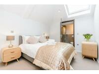 1 bedroom flat in Worple Way, Richmond, TW10