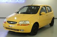 2006 Chevrolet AVEO 5 A/C-RADIO AM/FM CD/MP3- ESSUIE GLACE ARRIE