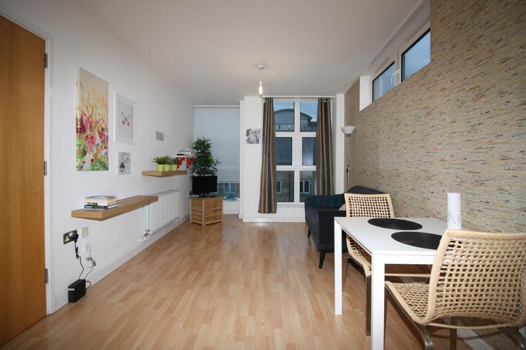 1 bedroom flat in Pengelly Apartments, Bartlett Mews, Docklands E14