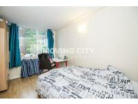 4 bedroom flat in Johnson Street, Cable Street, Shadwell