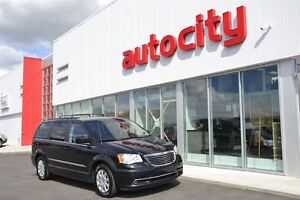 2014 Chrysler Town & Country Touring | Satellite Radio | Perfect