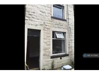 3 bedroom house in Oak St, Colne, BB8 (3 bed)