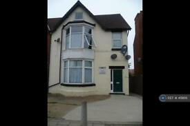 Studio flat in Lumley Avenue, Skegness, PE25