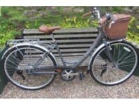 Bikes Viking Downtown Hybrid ( like new condition )
