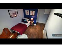 1 bedroom in Moss Street, Rochdale, OL16 (#1190586)