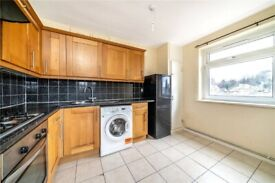 Two double bedroom flat, at the top of Friern Road just off the junction off Lordship Lane