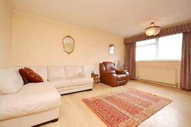 2 bedroom flat in Newburn Court, 23 Granville Road, North Finchley, N12