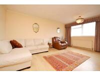 2 bedroom flat in Newburn Court, 23 Granville Road, North Finchley, N12
