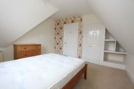 GU13LN - Available 1st April - Guildford town centre - Large one bedroom flat to rent