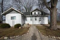 Cottage home right on water- 2876 Old Lakeshore road,...