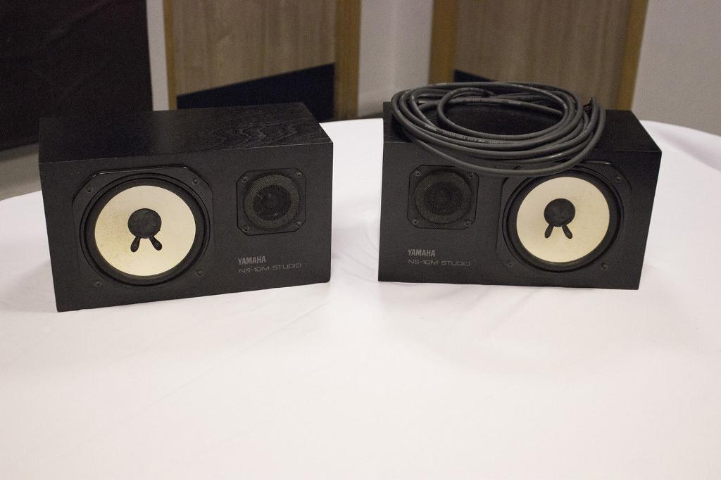 matching yamaha ns10m passive studio monitors in canary wharf london gumtree. Black Bedroom Furniture Sets. Home Design Ideas