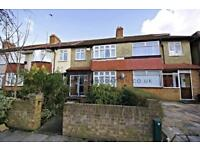 3 bedroom house in Tamworth Lane, Mitcham
