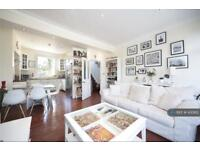 3 bedroom flat in Stockwell Road, London, SW9 (3 bed)