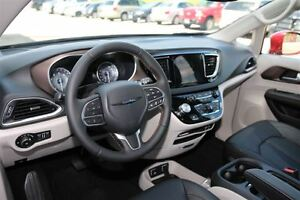 2017 Chrysler Pacifica Touring-L Plus *0% for 72 months* London Ontario image 14