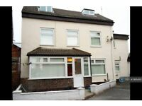 1 bedroom in Darby Grove, Liverpool, L19 (#966490)