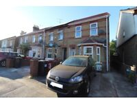 4 Bedroom House - Close to Town / Train Station