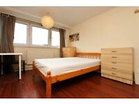 MASSIVE DOUBLE ROOM AVAILABLE FOR COUPLE - B 4 Gilbert House