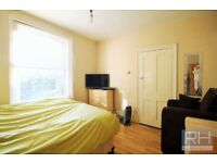 ***DSS WELCOME!! STUDIO WITH SEPARATE KITCHEN AND GARDEN IN SEVEN SISTERS***