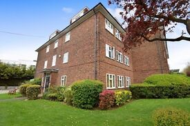 A lovely one bed flat with communal gardens and parking close to West Finchley Tube Station