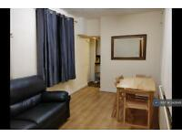 5 bedroom house in Banff Road, Manchester, M14 (5 bed)