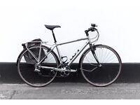 Hybrid Road bicycle SPECIALIZED SIRRUS ELITE (CONDITION LIKE NEW) MEDIUM SIZE lights and bag pump