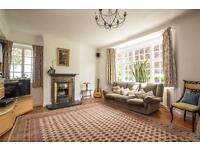 5 bedroom house in Twyford Avenue, London, N2